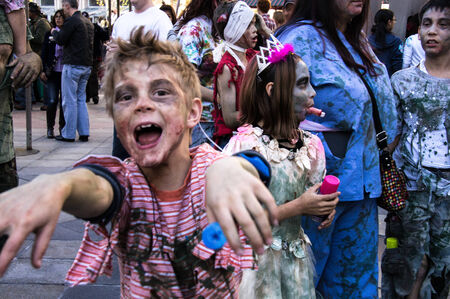 najechać: Zombie Boy inwazji na 16th St. Mall w Denver, Colorado na 19 października 2013 roku