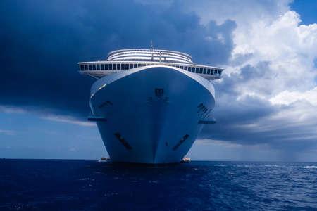 Cruise ship MSC Divina caribbean sea 2017 Reklamní fotografie