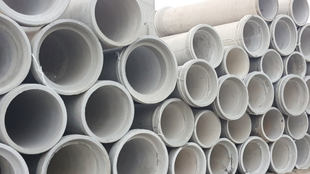 grandes tubos de cemento