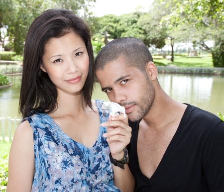 african Mann und asiatische Frau Liebhaber