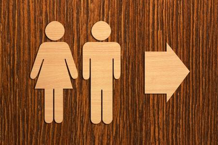 Signe de toilette en bois mâle et femelle Banque d'images