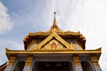 Wat Trimitr is the old temple in bangkok. it photo