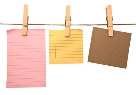 Près de post it rappels et pinces à linge attachés à une corde Banque d'images - 12941547