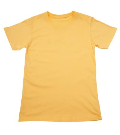 près d'un T-shirt sur fond blanc