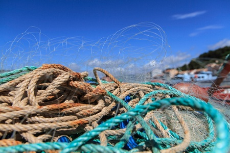 fischerei: Nahaufnahme von Fischernetzen in Frankreich