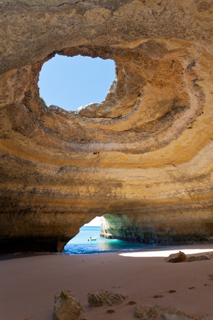 Sea Cave of Benagil in Algarve, Portugal Standard-Bild