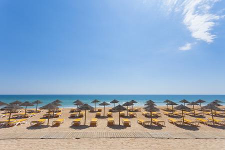 Praia Garrao poente in Algarve, Portugal Standard-Bild - 41039977