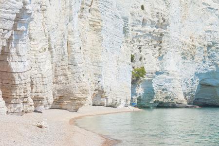 Vignanotica, Apulia, Italy - Giant chalk cliffs at the beach of Vignanotica Standard-Bild - 101409531