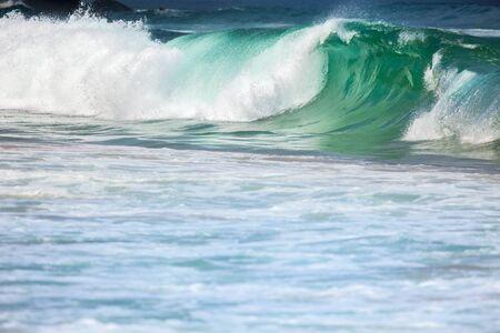 Grote Stormachtige Oceaan Golven - Kleurrijke Sea Water Achtergrond