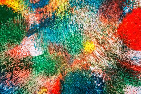 추상 아크릴 예술 배경의 매크로 샷입니다. 여러 가지 빛깔의 빛과 밝은 질감입니다. 작품의 조각입니다. 아크릴 페인트의 명소. 현대 현대 미술.