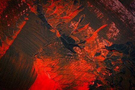 Fondo acrílico pintado a mano negro y rojo. Textura acrílica grunge con puntos pintados y pinceladas.