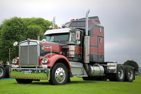 light duty: ALAHARMA, FINLAND - AUGUST 8, 2015:  Kenworth 900A 1976 Aerodyne truck tractor in Power Truck Show 2015. Editorial