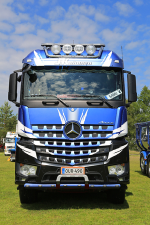 daimler: PORVOO, FINLAND - JULY 2, 2016: Mercedes-Benz Arocs 3293 of Kuljetus J Kohonen on Riverside Truck Meeting 2016. Editorial