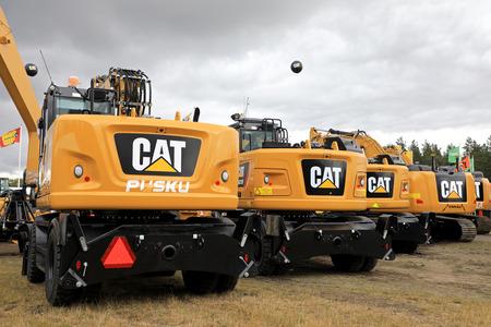HYVINKAA, FINNLAND - 8. SEPTEMBER 2017: Cat schwere Ausrüstung, wie von Witraktor auf Maxpo 2017 präsentiert. Witraktor ist der exklusive Vertriebs- und Servicepartner von Caterpillar Inc. in Finnland fast 70 Jahre.