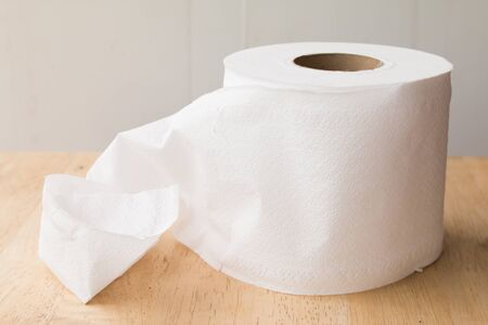 pluck: White paper roll.