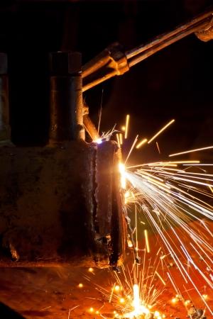 Gas cutting steel pipe
