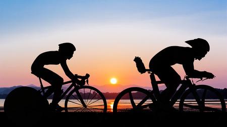 Triathlon op het strand 's avonds tijd zomerseizoen in Thailand Stockfoto