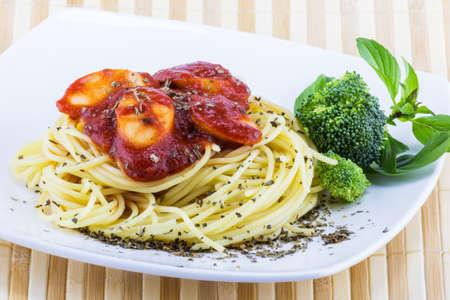 spaghetti sauce: Spaghetti sauce with vegetable on white plate