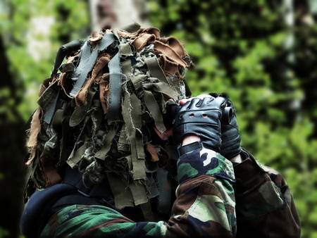 robustness: the airsoft recon with masked camouflage, woodland