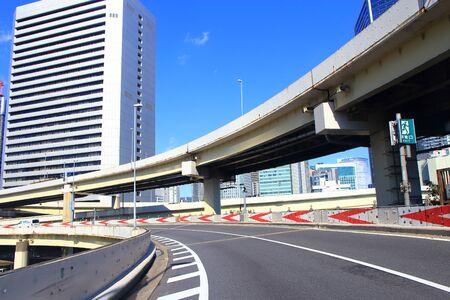 Highway overpass 版權商用圖片 - 138010641