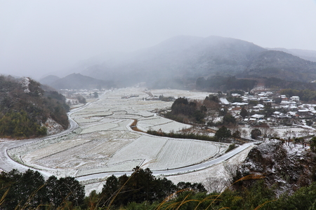 would: The countryside of snow