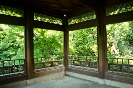 stoop: Oriental garden