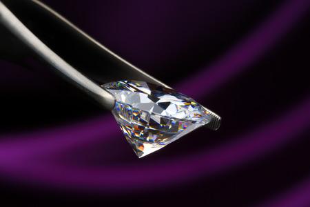 pinzas: Las joyas con diamantes Foto de archivo