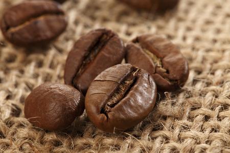 coffee beans: cà phê