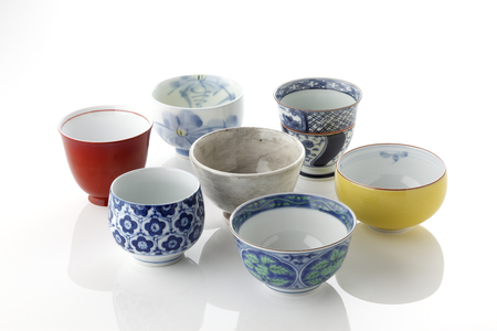 ceramica: Taza japonesa del té verde Foto de archivo