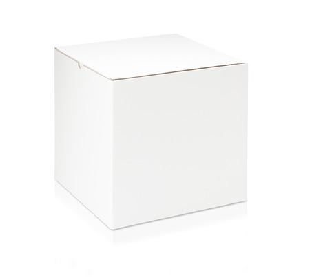 Witte lege doos op witte achtergrond