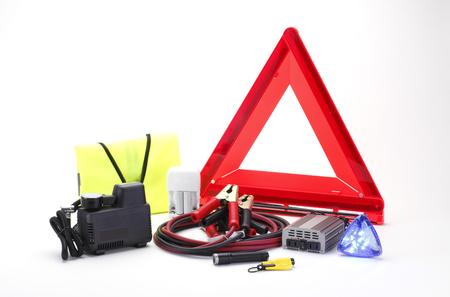 Emergency kit voor auto die op een witte achtergrond Stockfoto - 46379178