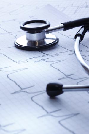 electrocardiograma: Estetoscopio y un electrocardiograma Salud  del doctor