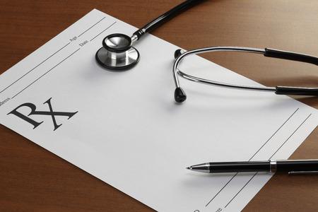 recetas medicas: Prescripción en blanco, el concepto de Asistencia sanitaria y medicina