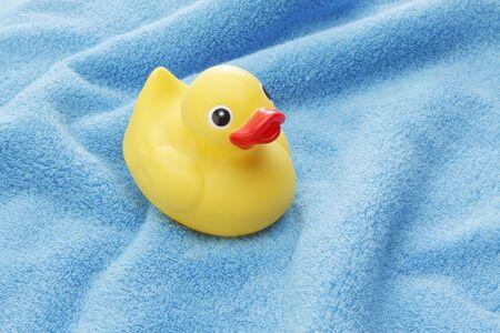 pato de hule: Pato de goma amarillo