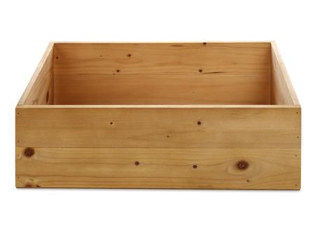 空の木箱が白で隔離