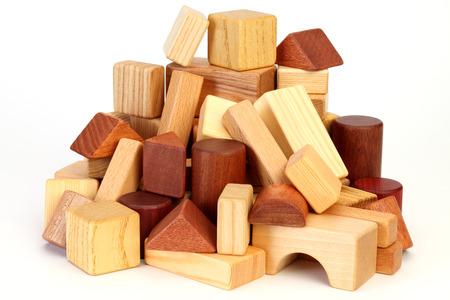 白い背景に孤立した木製のビルディングブロック 写真素材