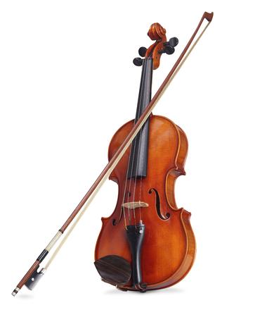Un violín sobre un fondo blanco con trazado de recorte