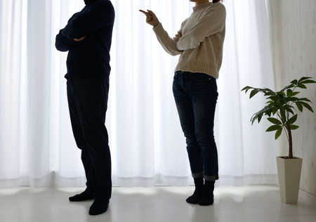 Fights and silhouettes between men and women