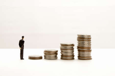 Image of salary and savings rising