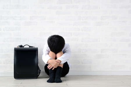 a child with his face face down 免版税图像