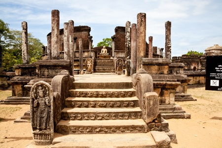 sri lanka temple: ancient vatadage (buddhist stupa) in polonnaruwa, sri lanka