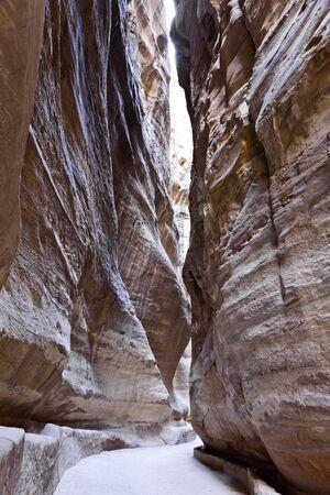 siq: the siq, the road leads to the ancient nabataen necropolis of petra, jordan Stock Photo