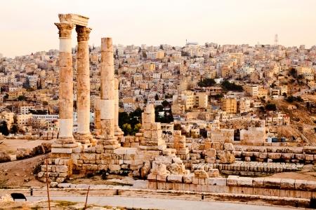 the citadel: Tempio di Ercole nella cittadella di Amman, in Giordania