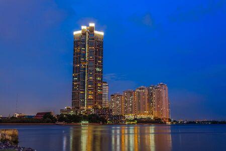 phraya: Twilight scene at Chao Phraya river in Bangkok, Thailand