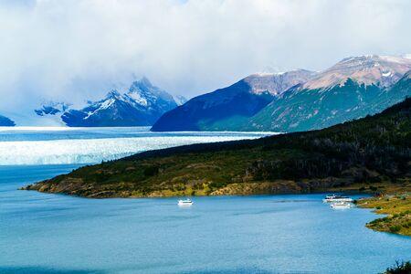 los glaciares: Perito Moreno Glacier at Argentino Lake in Argentinian Patagonia