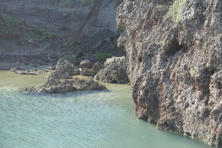 landlocked: a small rocky cove at north part of Ogami island