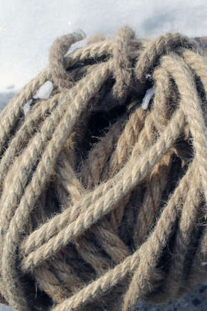 Coils of nautical rope skewer for background and organic texture Stockfoto