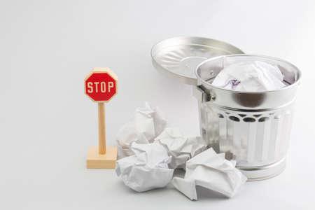 littering: Stop littering