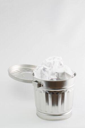 wastebasket: Garbage box