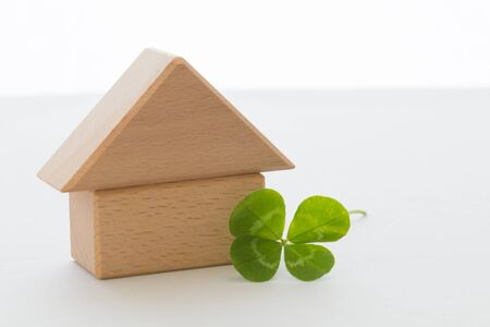 fourleaf: Four-leaf clover and house